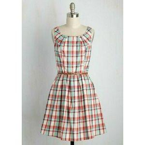 ModCloth Sunny Girl Plaid Dress Sz L